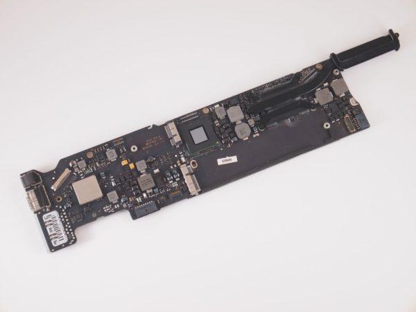 661-6632 Logic Board 1.8GHz i5 8GB