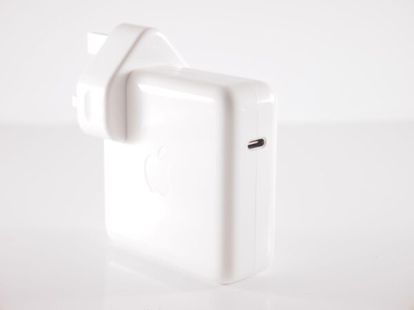 A1718 Apple 61w USB-C Power Adapter