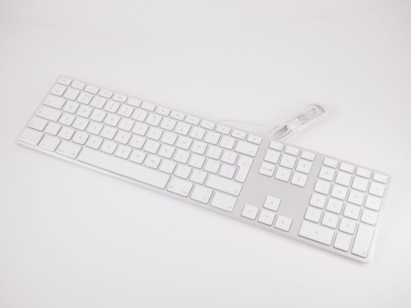 Apple Wired Keyboard MB110B/B