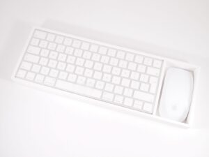 Apple Magic Keyboard & Magic Mouse 2